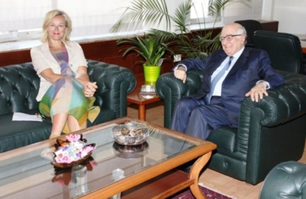 Minister of Information Ramzi Jreij welcomed at his office in the Ministry United Nations Special Coordinator for Lebanon, Sigrid Kaag( 05 05 2015)